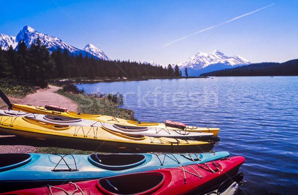 Kanada hegyek távolság tó perem sport Stock fotó © THP