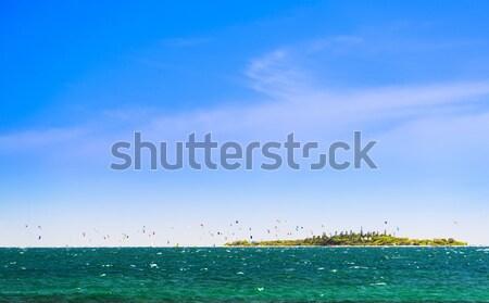 Tropisch eiland rond nieuwe hemel water sport Stockfoto © THP