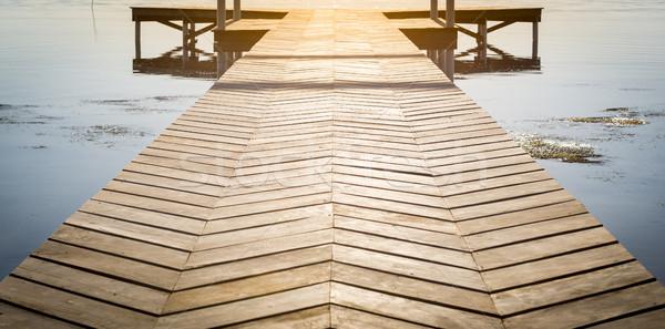 Fából készült dokk copy space higgadt víz napfelkelte Stock fotó © THP
