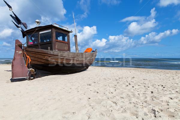 漁船 古い 砂浜 空 水 ストックフォト © ThreeArt