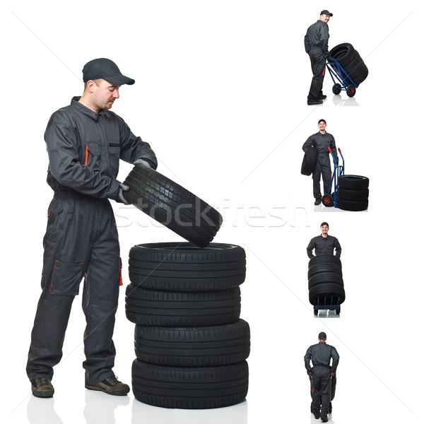 Mekanik görev toplama genç hareket lastikler Stok fotoğraf © tiero