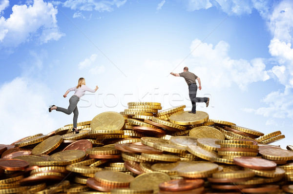 деньги холме работает монетами женщину Сток-фото © tiero