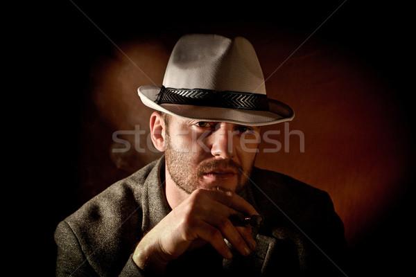 Gangster portret kaukasisch ontspannen zwarte jonge Stockfoto © tiero