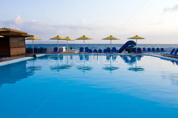 Stok fotoğraf: Yüzme · havuzu · otel · bulutlu · sabah · doğa · yaz