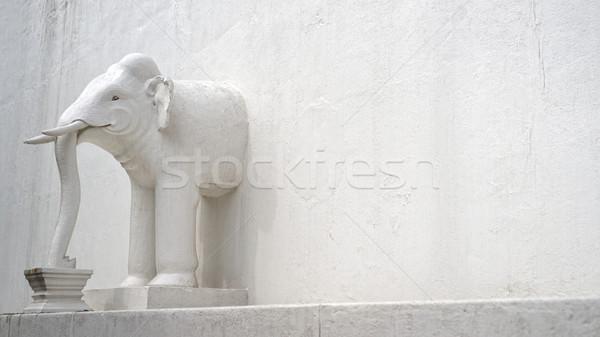 слон стены белый азиатских храма Сток-фото © timbrk