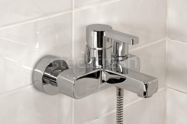 Prysznic kran nowego nowoczesne metal kąpieli Zdjęcia stock © timbrk