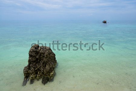 бесконечный океана лодка синий морем пейзаж Сток-фото © timbrk