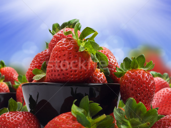 świeże zdrowych truskawek zdrowa dieta żywności charakter Zdjęcia stock © tish1