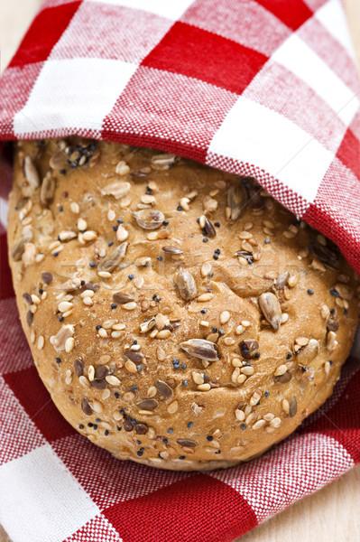 Volkoren brood Rood witte doek klaar Stockfoto © tish1