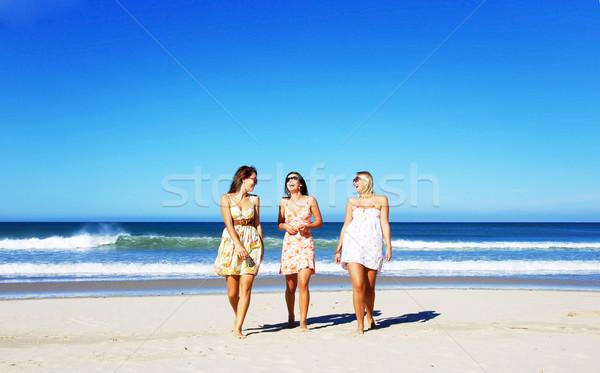 üç genç kadın plaj yaz gün Stok fotoğraf © tish1