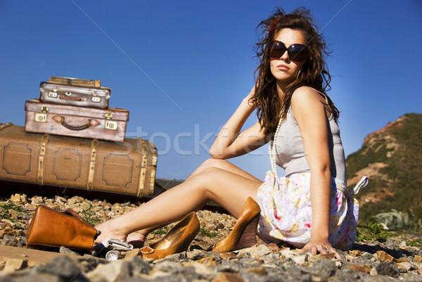 Foto stock: Jovem · mulher · malas · longo · estrada