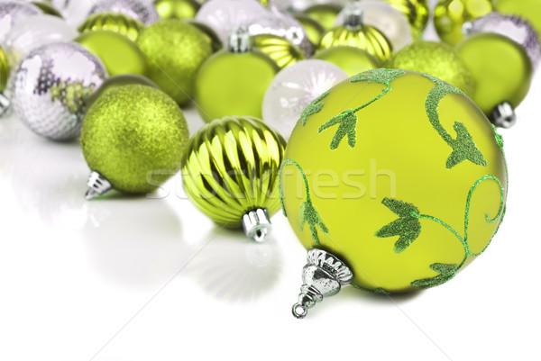 Vert Noël ornement blanche verre fond Photo stock © tish1
