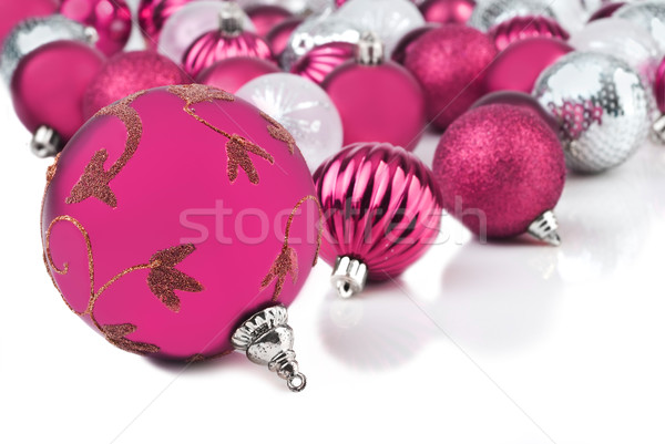 Rosa Natale gingillo ornamenti bianco sfondo Foto d'archivio © tish1