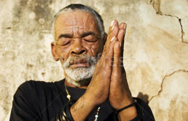 Velho africano homem negro cara sol pele Foto stock © tish1
