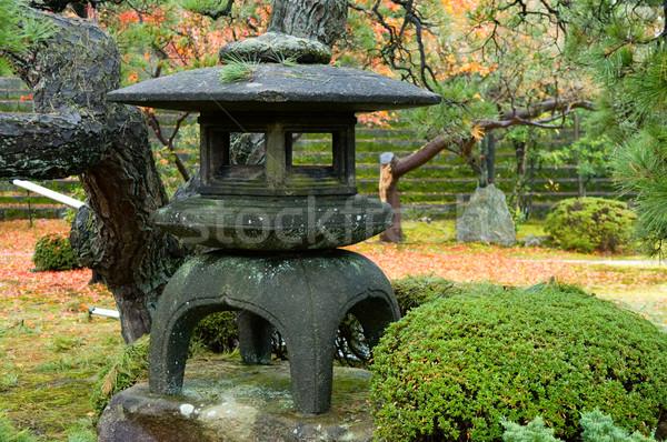 Granit lanterne sauvage jardin herbe nature Photo stock © tito