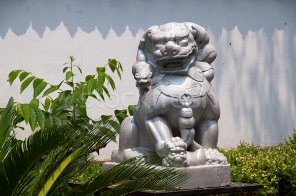 Piedra león chino templo jardín edificio Foto stock © tito