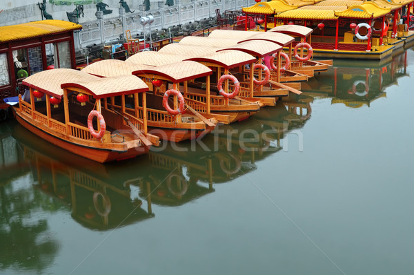 Línea barcos río muelle templo buque Foto stock © tito