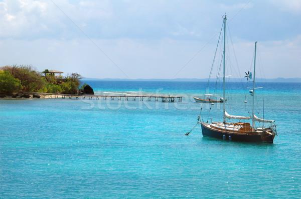 Vitorlás Karib kék víz káprázatos tengerpart Stock fotó © tmainiero