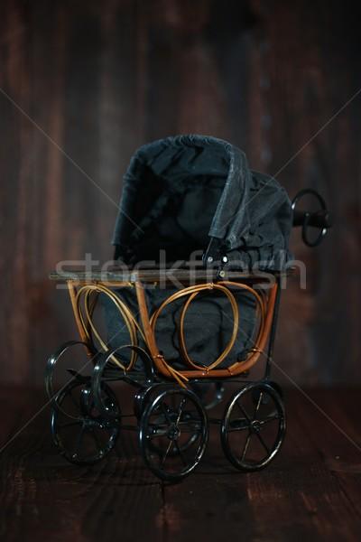 ребенка колыбель Гранж антикварная Сток-фото © tobkatrina