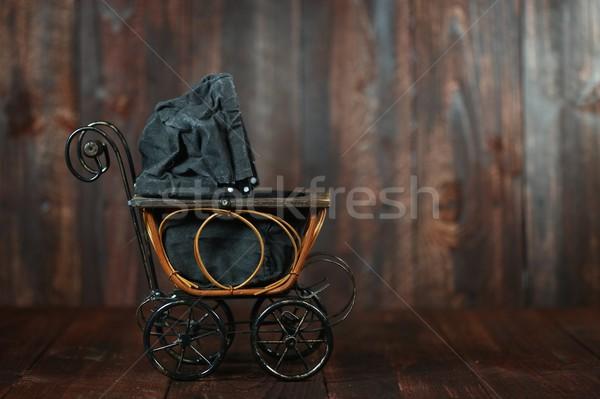 Baby Wiege Grunge Holz antiken Säugling Stock foto © tobkatrina