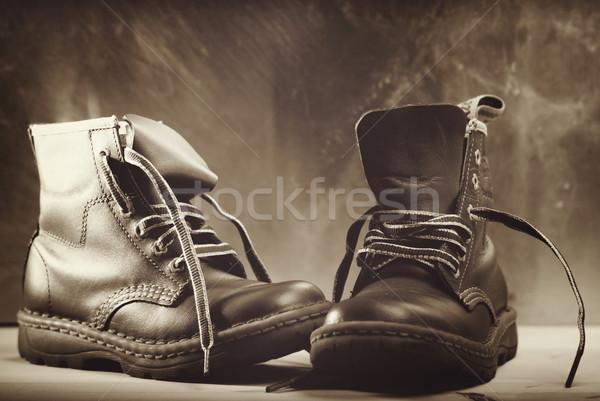 Vecchio scarpe shot bambini Foto d'archivio © tolokonov
