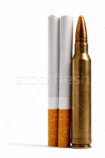 Echt geweld twee sigaretten sluiten bullet Stockfoto © tolokonov