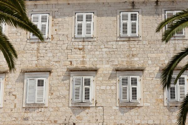 Fal fehér ablakok zsalu ház kék Stock fotó © tomasz_parys