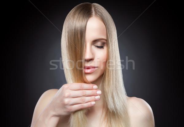 Mooie dame steil haar jonge mode gezondheid Stockfoto © tommyandone
