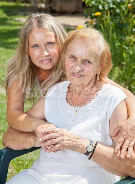 Ayudar atención ancianos personas mujer familia Foto stock © tommyandone