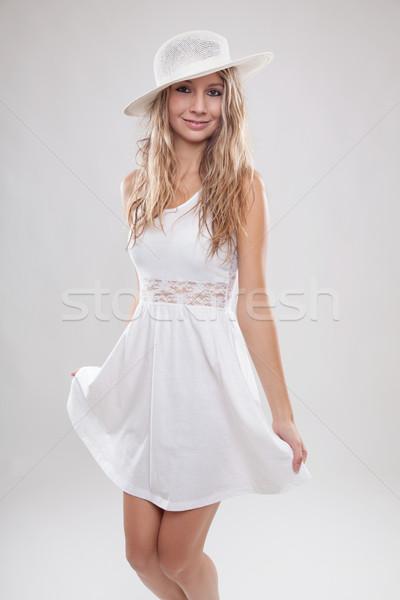 белое платье молодые красивая женщина Hat Сток-фото © tommyandone
