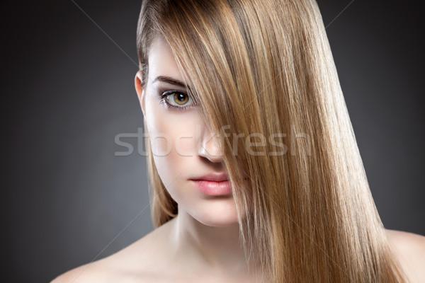 Vrouw lang steil haar rechtdoor haren Stockfoto © tommyandone