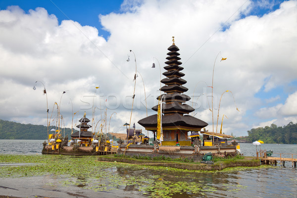 Templom Bali tó Indonézia égbolt víz Stock fotó © tommyandone