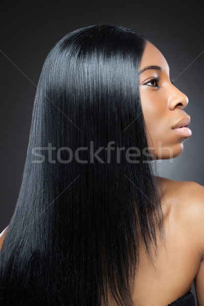 Piękna czarnej kobiety długo proste włosy młodych kobieta Zdjęcia stock © tommyandone