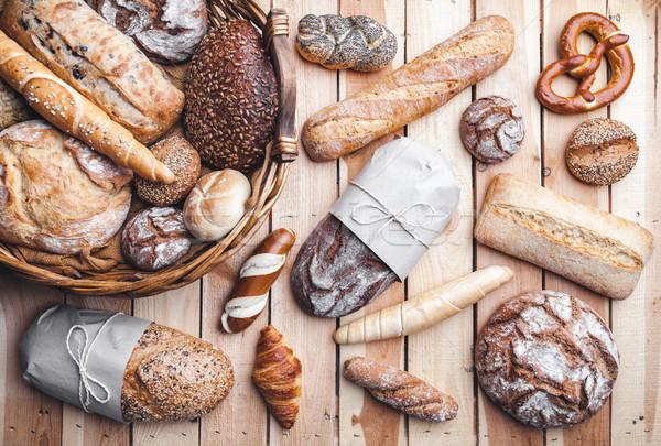 Sepet tok lezzetli taze ekmek ahşap Stok fotoğraf © tommyandone