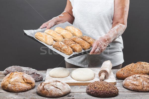 Baker fresche pane varietà Foto d'archivio © tommyandone