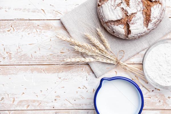 Stockfoto: Heerlijk · vers · brood · houten · vers · gebakken