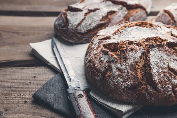 Heerlijk vers brood houten vers gebakken Stockfoto © tommyandone