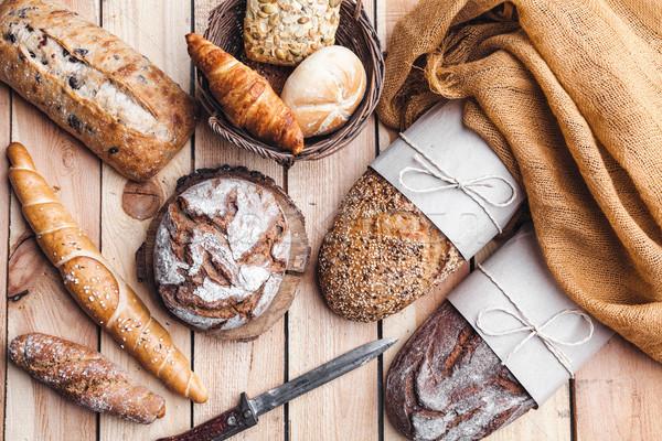 Lezzetli taze ekmek ahşap taze Stok fotoğraf © tommyandone