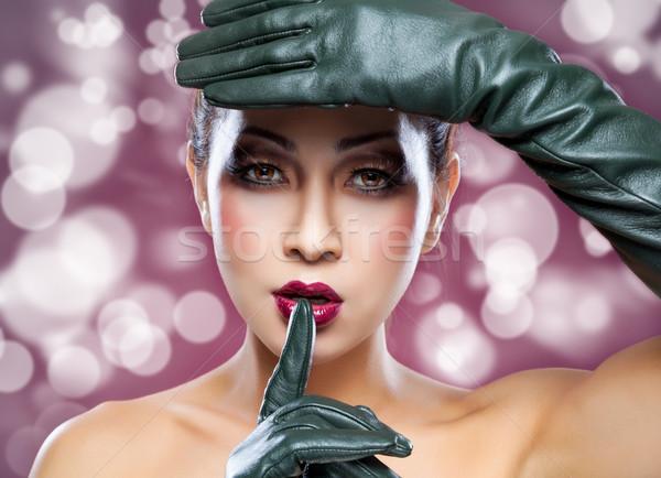 Piękna tajska kobieta skóry rękawice Zdjęcia stock © tommyandone