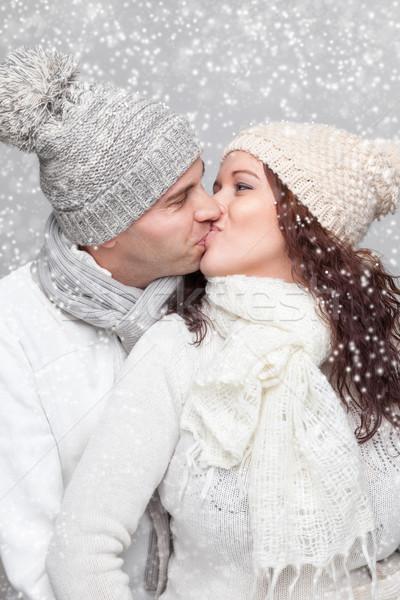 Gelukkig paar warm kleding winter jonge Stockfoto © tommyandone