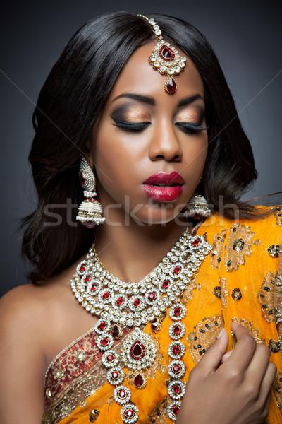 Fiatal indiai nő hagyományos öltözék menyasszonyi smink Stock fotó © tommyandone
