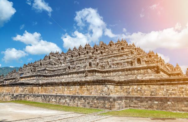 Starożytnych świątyni Indonezja jawa niebo wygaśnięcia Zdjęcia stock © tommyandone