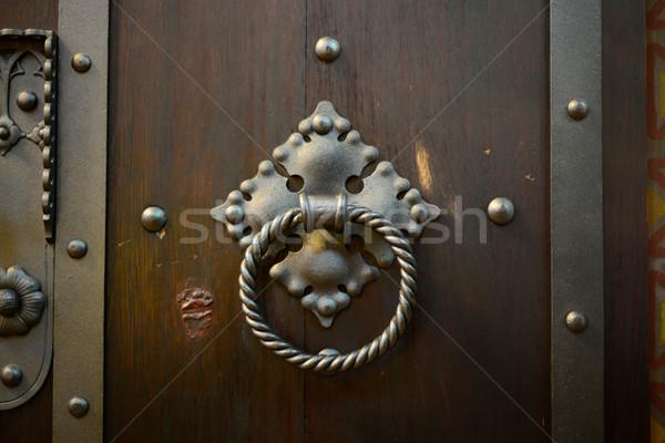 Fa ajtó fém fogantyú régi fa zárt Stock fotó © tony4urban