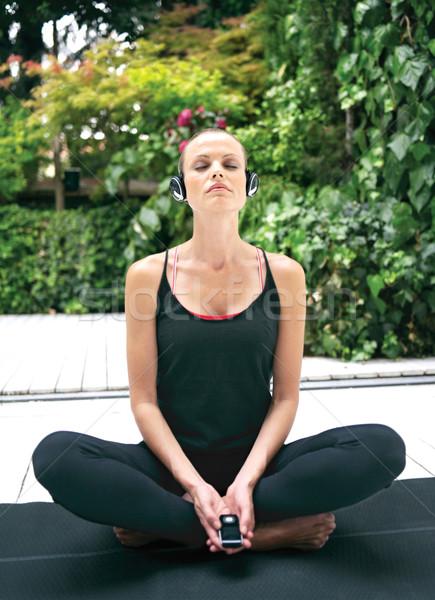 Yoga bella esercizio esterna Foto d'archivio © toocan