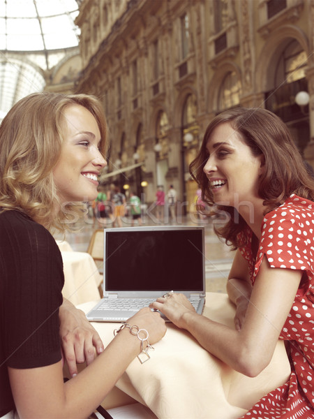 Felice imprenditrici laptop due computer portatile città Foto d'archivio © toocan
