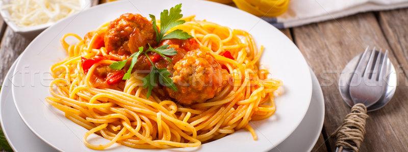 Olasz tészta húsgombócok petrezselyem paradicsomszósz fehér Stock fotó © trexec