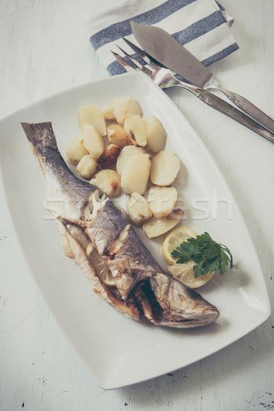 Peixe fresco cozinhado batatas limão mar Foto stock © trexec
