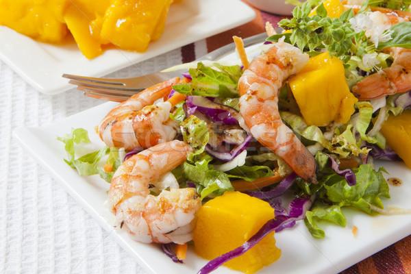 Garnaal salade vers mango vruchten dienblad Stockfoto © trexec
