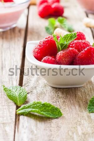 Kırmızı meyve taze ahududu çilek nane Stok fotoğraf © trexec