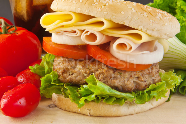 Stockfoto: Groot · hamburger · eigengemaakt · witte · ui · tomaat